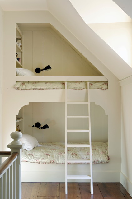 Holtkoetter Kids Traditional with Black Lamps Bunk Beds