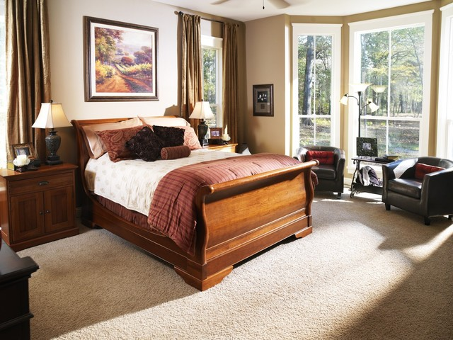 King Sleigh Bed Bedroom Traditional with Bedside Table Beige Wall