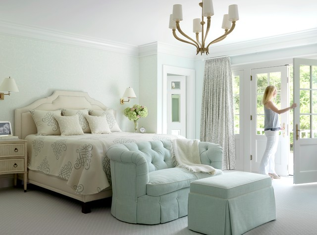 Lovesack Bedroom Traditional with Balcony Bed Carpet Chandelier