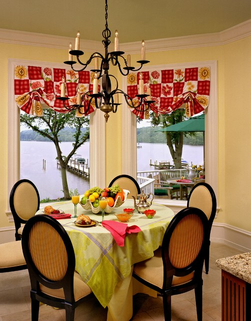 Oval Tablecloths Dining Room Traditional with Balloon Shades Baseboards Breakfast