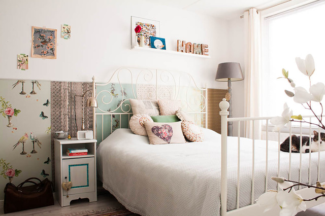 Queen Size Bed Frame with Drawers Bedroom Shabby Chic with Bed Knobs Cat Eclectic