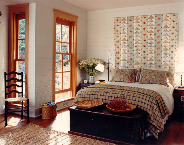 quilted headboard Bedroom Rustic with alcove area rug bedside