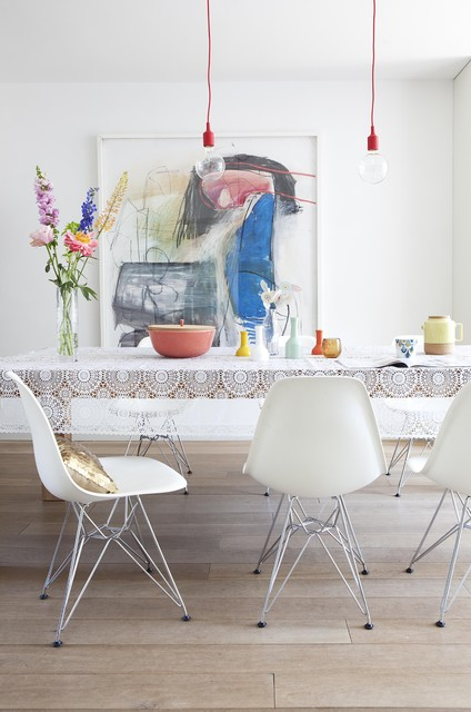 Round Tablecloth Dining Room Modern with Flower Vase Hanging Light
