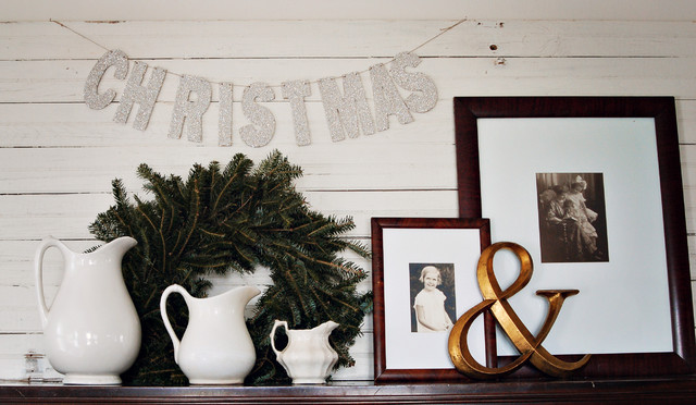 spode christmas dishes Family Room Shabby-chic with ceramic pitchers Christmas decorations