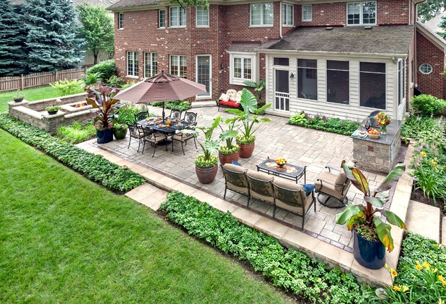 summerset grills Patio Traditional with Backyard landscape design brick