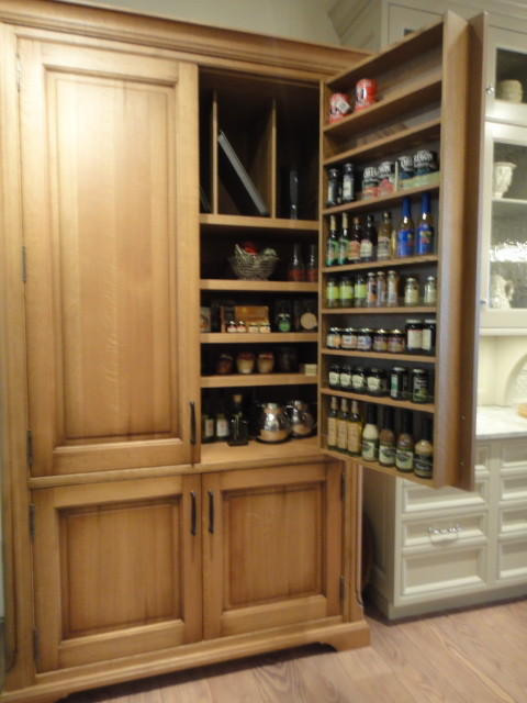 Tincture Bottles Kitchen Traditional with Baseboard with Furniture Cut Out4
