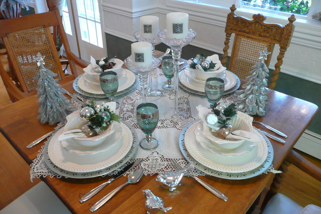 Turquoise Tablecloth Dining Room Traditional with Candles Chargerd Christmas Table