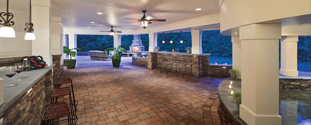 Twin Eagles Grills Deck Traditional with Coy Pond Curved Curved