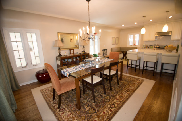 Two Person Recliner Spaces with Bar Area Breakfast Table