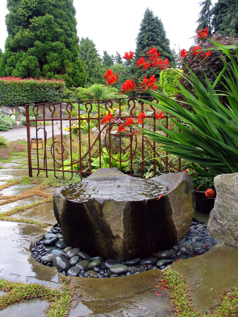 Water Bubbler Landscape Contemporary with Boulder Entrance Entry Flagstone