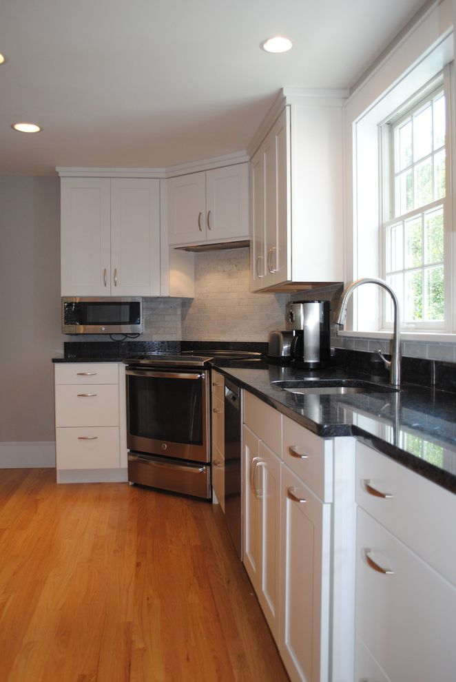 Benchmark Kitchens for Country Kitchen