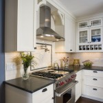 Best Cooker Hoods for Traditional Kitchen